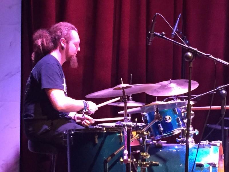 Daniel an den Drums