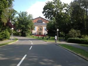 Das eingerüstete Bayreuther Festspielhaus