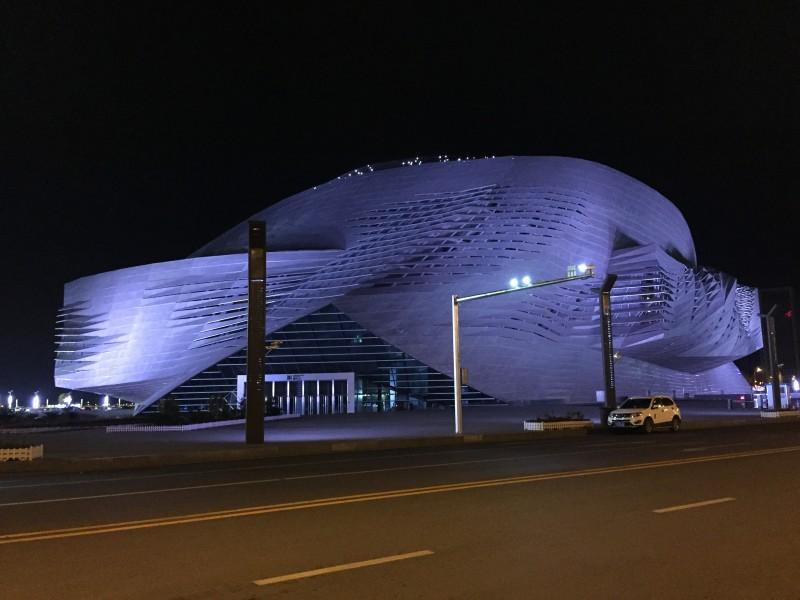 """""""Zauberer"""" - Theater und Konferenzzentrum Dalian"""