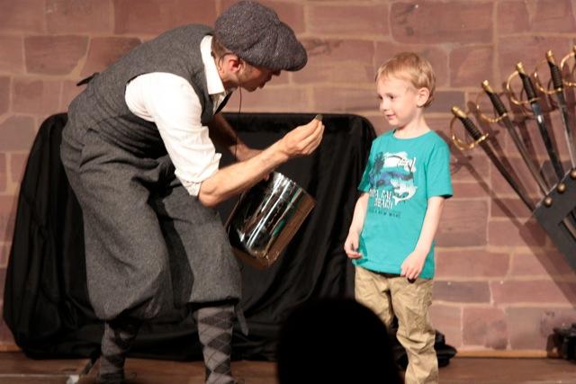 Zauberei mit Kind