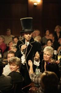 Zauberkünstler Timothy Trust im Leipziger Publikum
