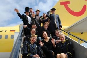 Zauberer, Comedians, Artisten und Jongleure im Flugzeug